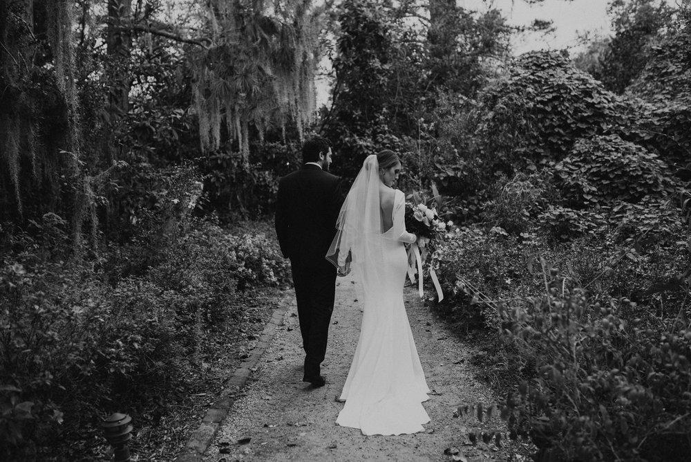 Charlestonweddingphotographer-12.jpg