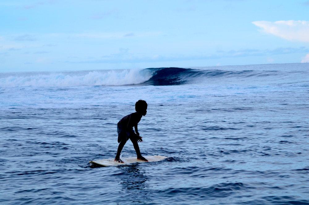 darlar surfing.JPG