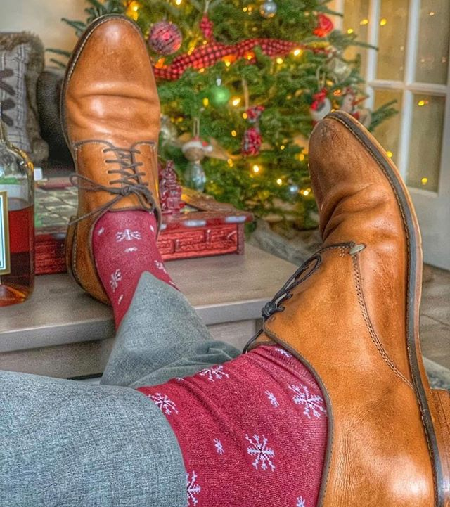 🧦🎄 The perfect gift for any occasion! . . . 📸 credit: @thesouthernblueprint #holidayshopping #stockingstuffers #sockseason #jlthebrand #socks #madeinusa🇺🇸 #giftaccessories #giftsforhim #socksforhim #perfectholidaygift