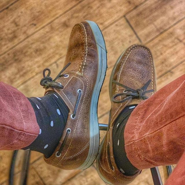 You have got to love your socks! Socks are first to put on and the last to come off! 🧦🧦📸 Cred: @thesouthernblueprint . . . . #sockgame #sockgamestrong #luxurysocks #mensaccessories #madeinusa #polkadotsocks #pimacotton #americanmade #stockingstuffers #holidayshopping #giftsforhim #menfashionstyle #gentlemens