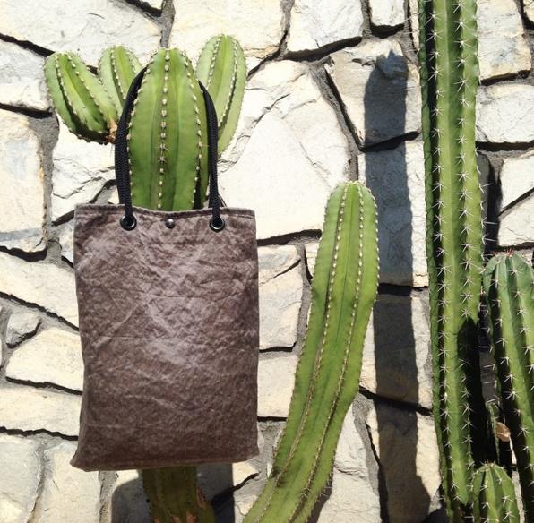 rewilder-bag-shopping-holiday-company-maui.jpg