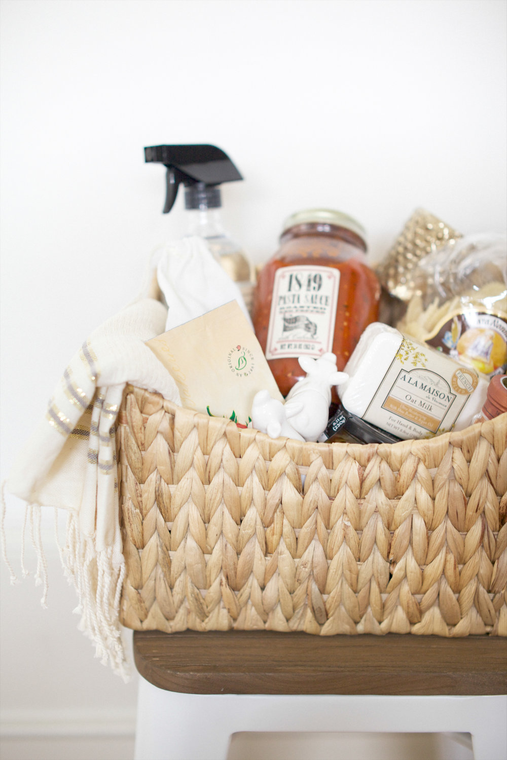 Hostess Basket |   Sawyer Baird