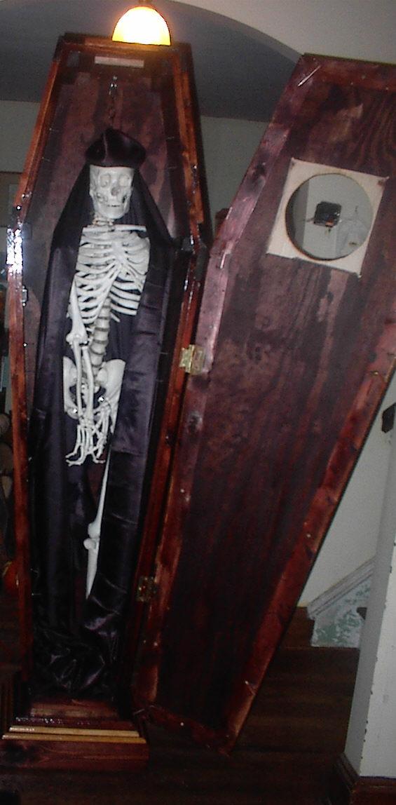 Coffin31.jpg