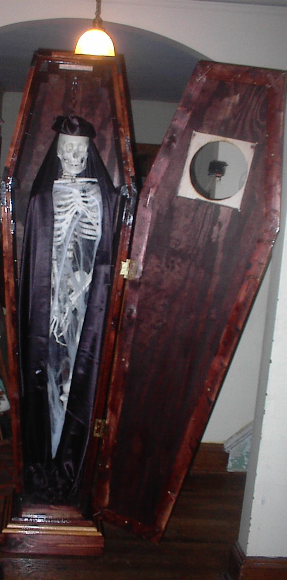 Coffin33.jpg