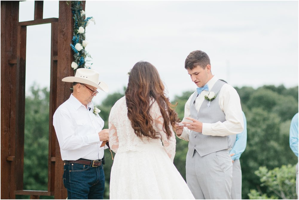 blush_rock_lake_ranch_spring_college_station_wedding_0261.jpg