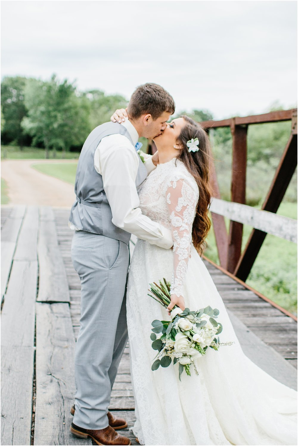 blush_rock_lake_ranch_spring_college_station_wedding_0274.jpg