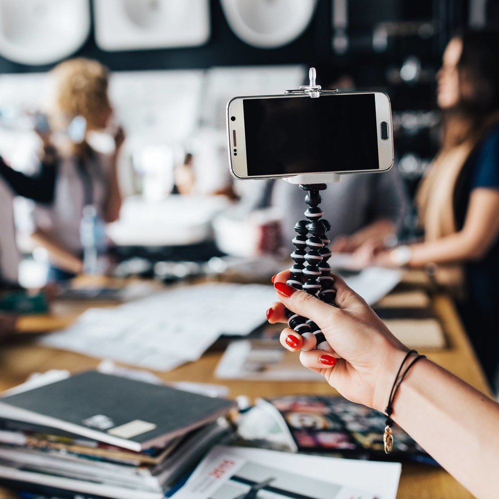Instagram Mini-Course - If you wanna be an interior designer and you're not using Instagram, hold up, wait a minute. This course takes you through everything you need to be doing on there right now to get your name out there in the design world.