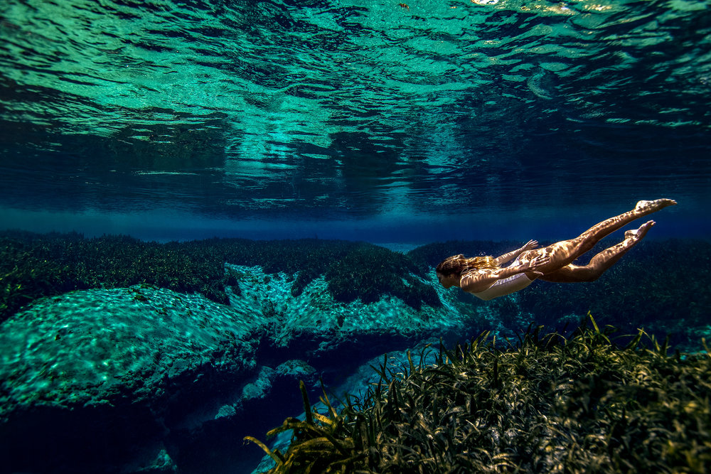 under-water-swim-photo
