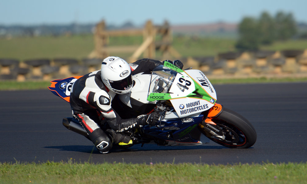 Image: (43) Alastair Hoogenboezem won the 2017–18 AMCC Club Series title in Superbike, taking four wins on the M1 Motorsport BMW S1000RR. He then went on the finish fourth in the NZSBK National Championship in the same class, taking two wins along the way. Credit: Philip Kavermann