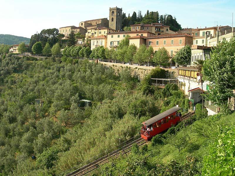 Montecatini-Alto-e-funicolare.jpg