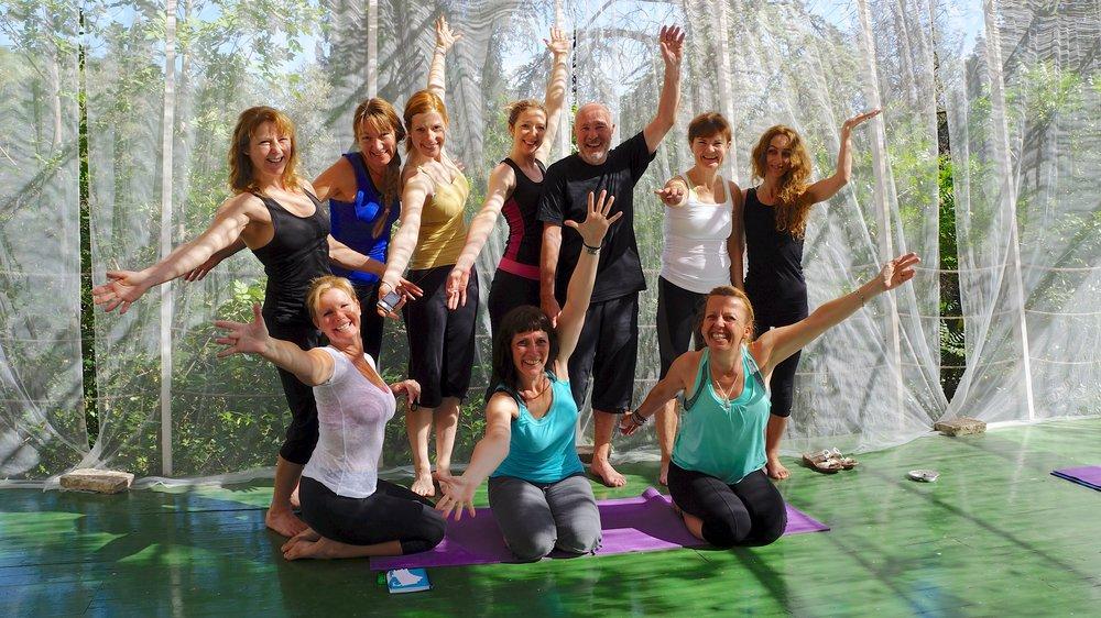 yoga_deck_group_ta_da.jpg