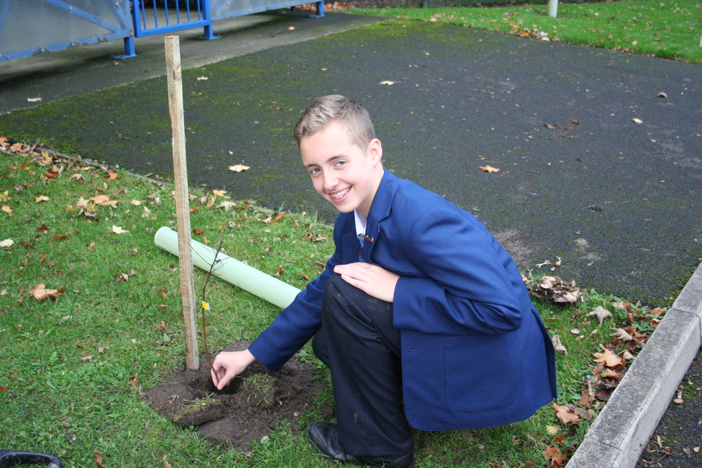 Tree Planting Year 9 and 10 009.JPG