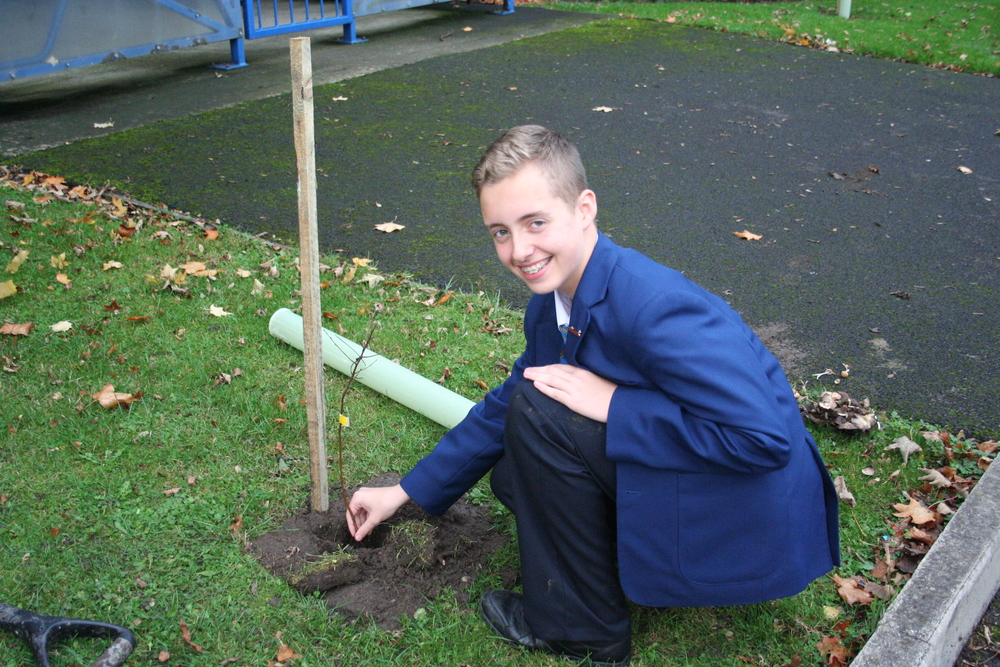Tree Planting Year 9 and 10 010.JPG
