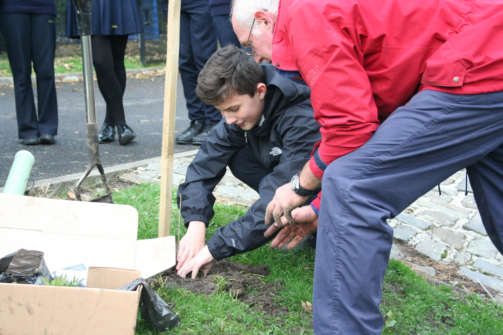 Tree Planting Year 9 and 10 013.JPG