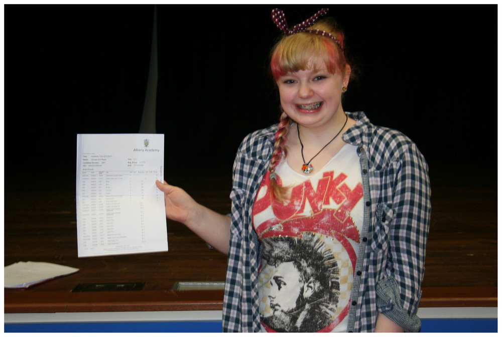 GCSE Results Day 2015 005a.jpg