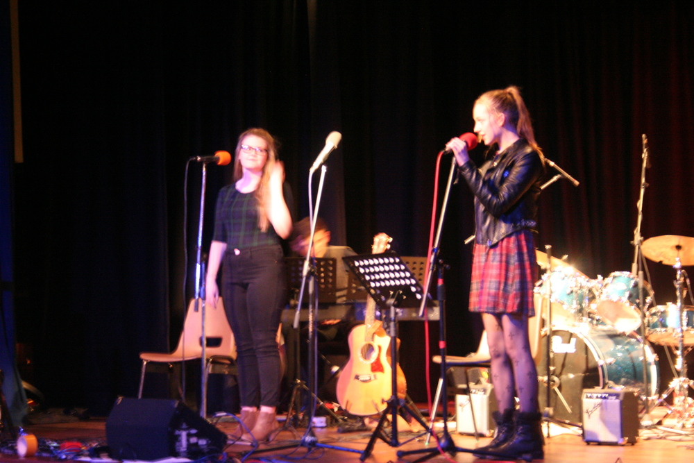 GCSE Performance Night 2015 043.JPG