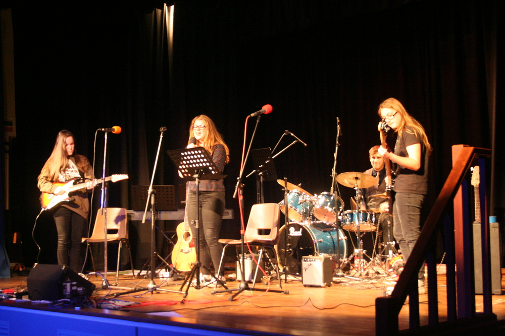 GCSE Performance Night 2015 096.JPG
