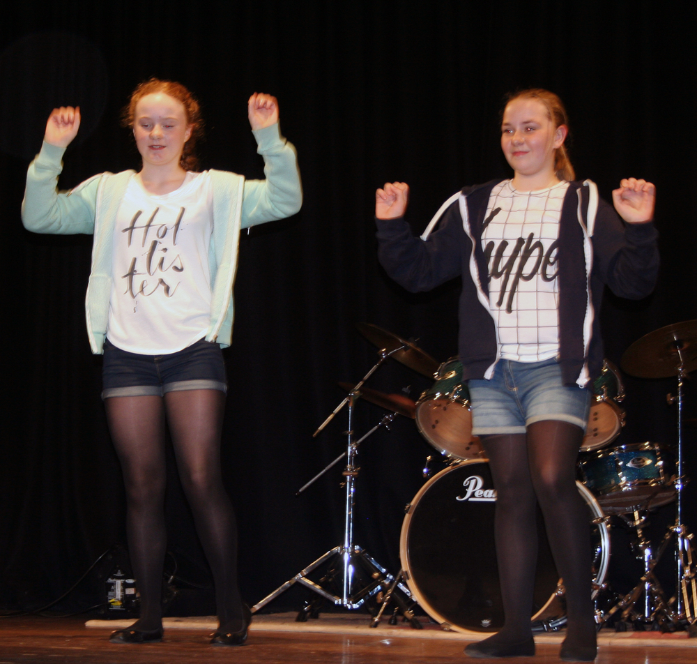 Year 7 have got talent 018.JPG