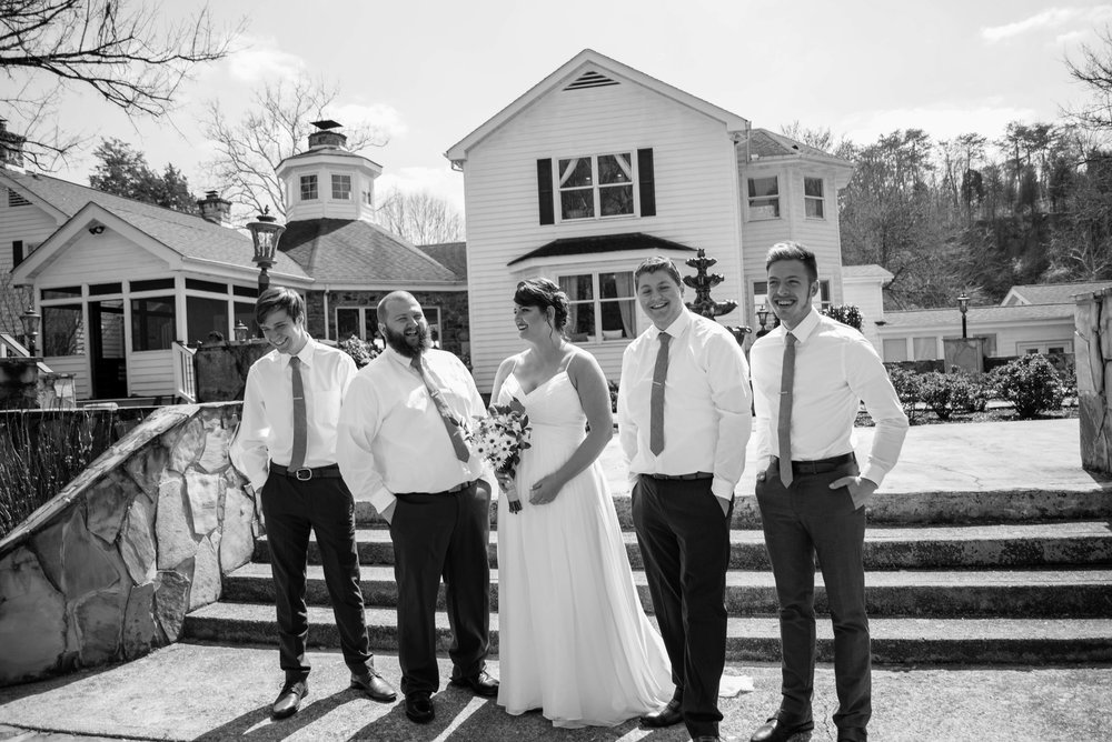 weddingpartyb&w-017.jpg