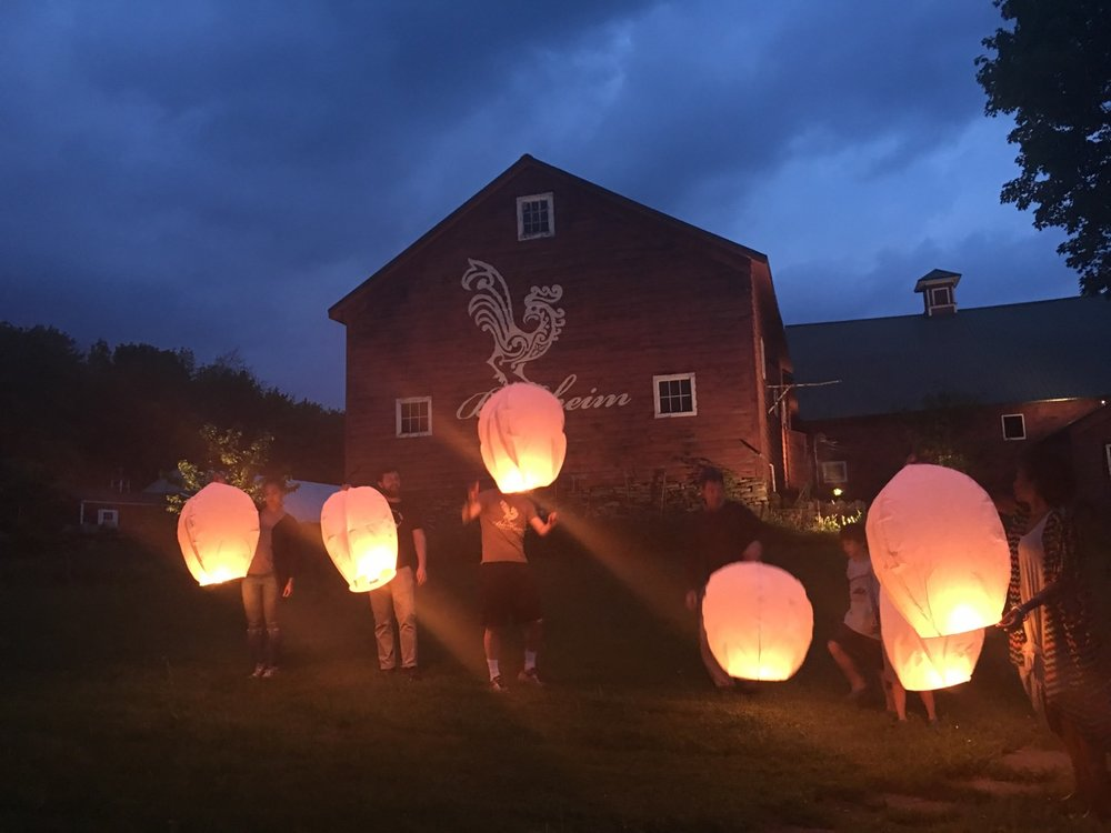 Release lanterns together
