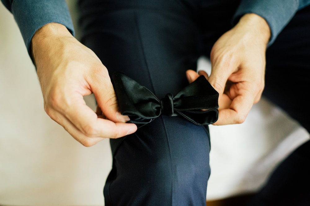 Groom style: final touches before ceremony