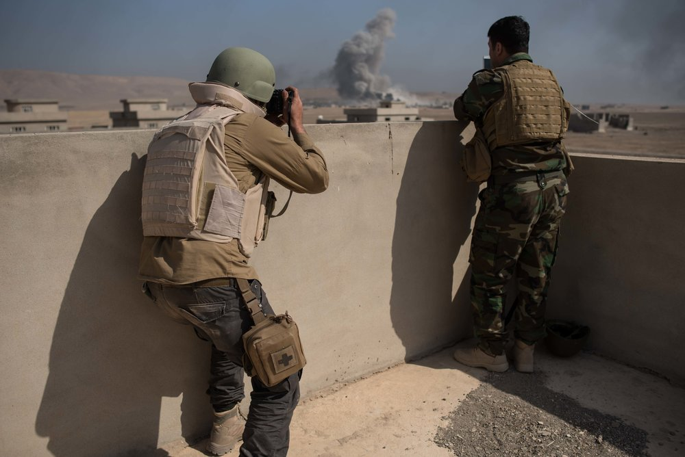 AS BOMBS RAIN, FREELANCERS BUILD THEIR OWN BUNKER while recent conflicts in the Middle East have highlighted the vulnerability of freelancers, Mosul is illustrating a new trend: The freelance community today is better prepared to face risk than at any point in the past - Columbia Journalism Review