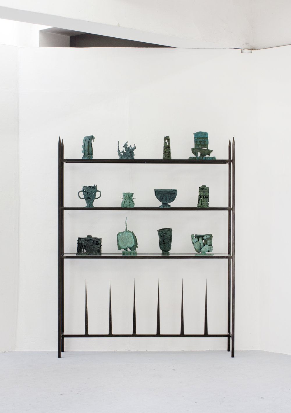 'Emulation; Ruins, Vases & Fragments' - Bronze, steel, glass & rubber - 205.5 x 160 x 35 cm - 2018