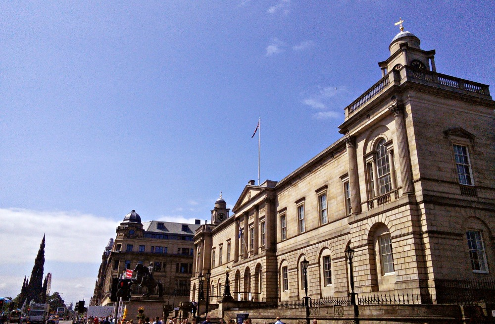 Register House in Princes Street.jpg