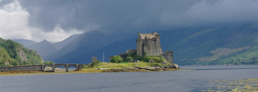 Eilean Donan castle - en route to the isle of skye