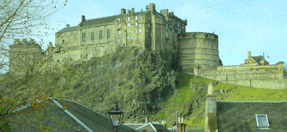 Edinburgh Castle, from The Vennel, looking north.