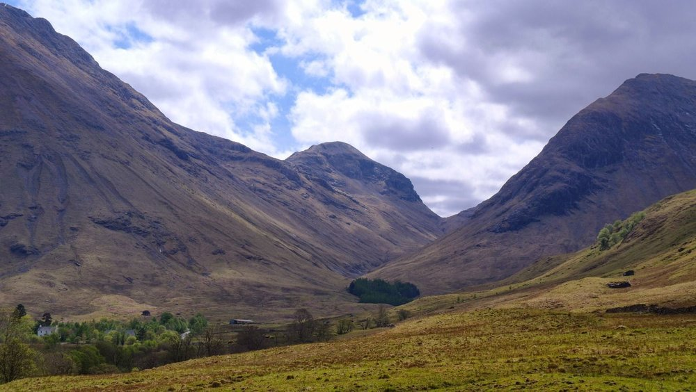 GLEN COE - DRAMATIC SCENERY AND EASY TO SEE FROM THE MAIN ROAD!