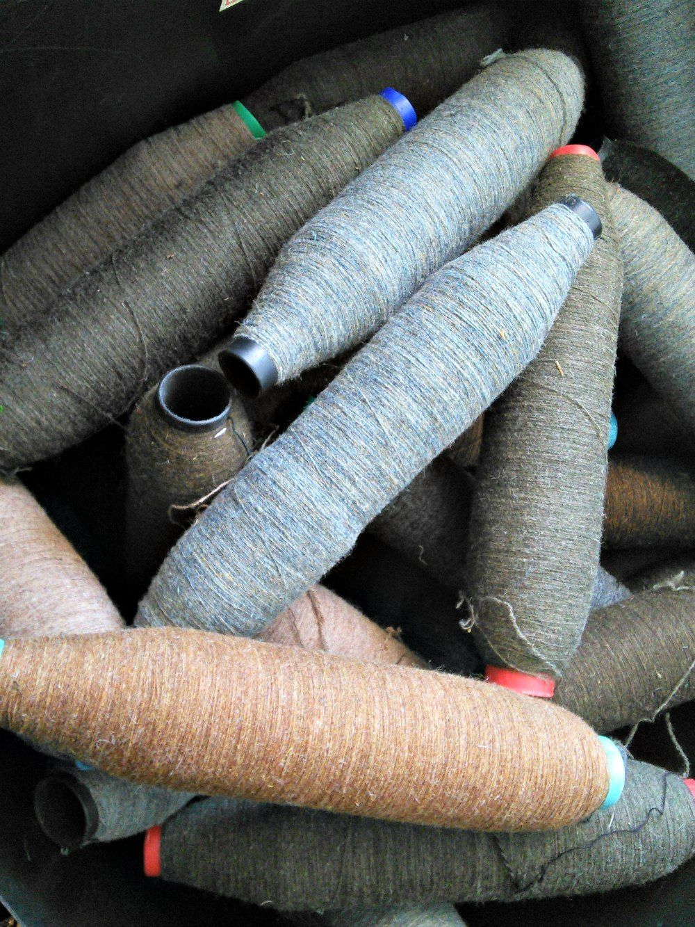 tweed-wool-bobbins-compressor.jpg