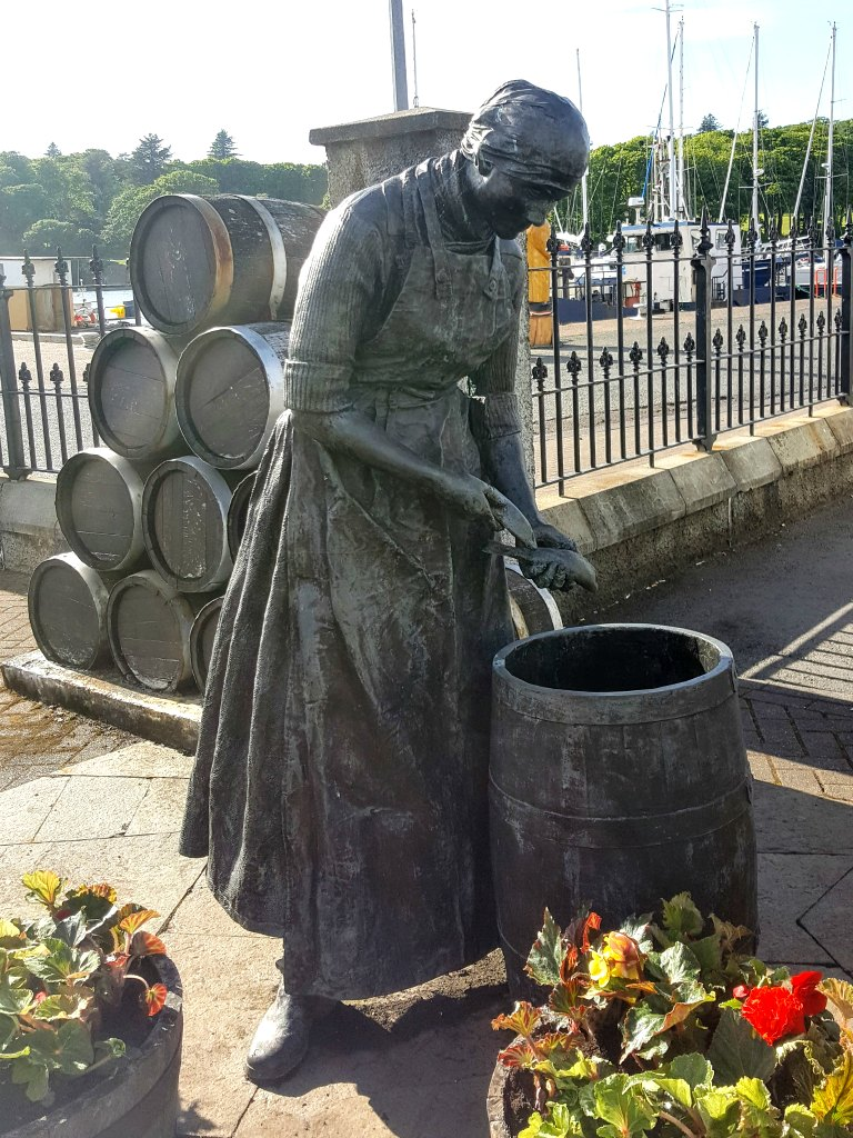 Herring girl statue in Stornoway harbour (or gutting quine as we know them in the north east of Scotland)