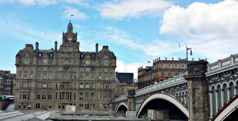 The Balmoral Hotel with North Bridge on the left connecting the Old Town with the Edinburgh New Town