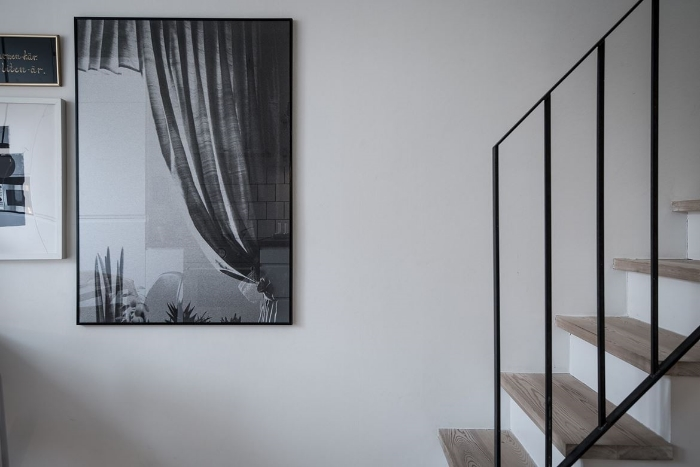Nordic elegance and simplicity in this beautiful apartment.