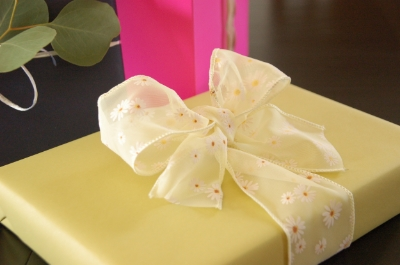 Cute spring wrapping with a bow.