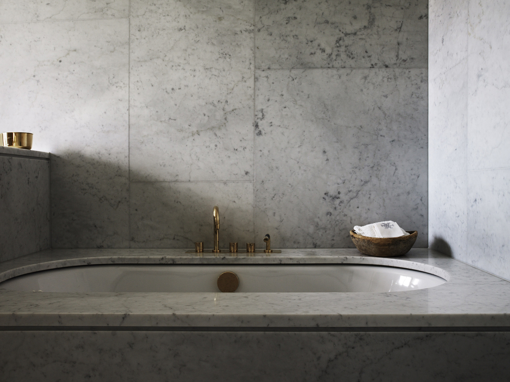 Luxurious bathrooms let you clean up like a royal at hotel Ett Hem.