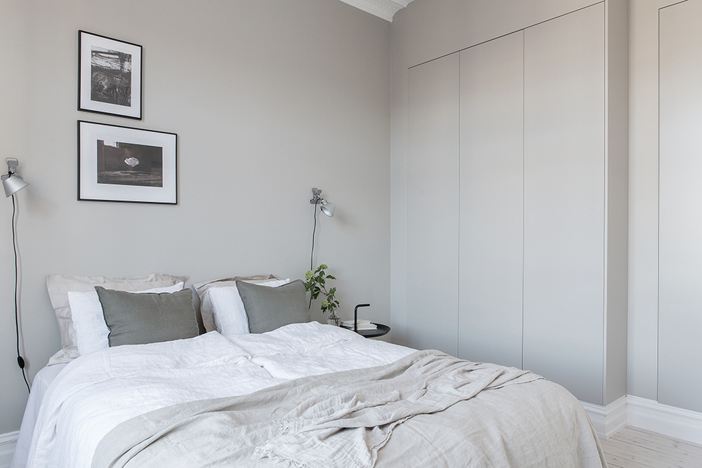 Grey bedroom with linen beddings.