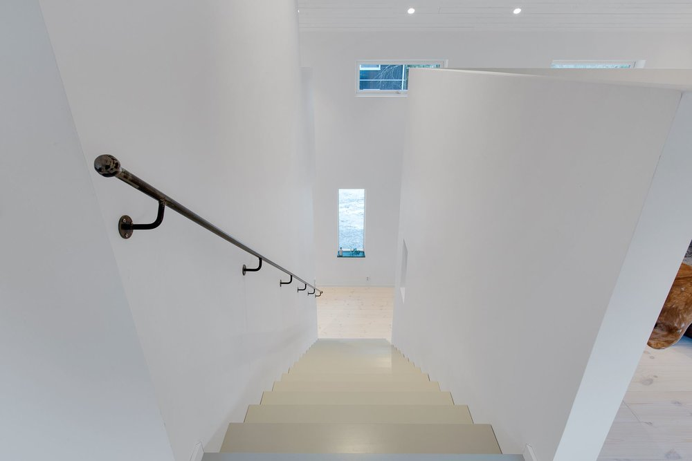 Modern Scandinavian home - stairs.