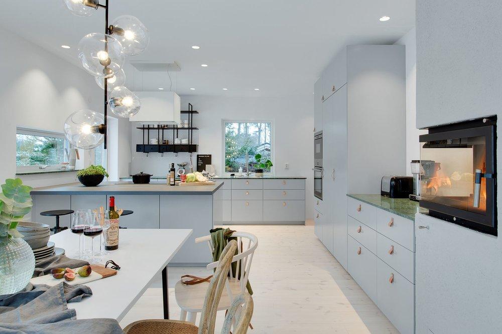 Modern Scandinavian kitchen with fireplace!