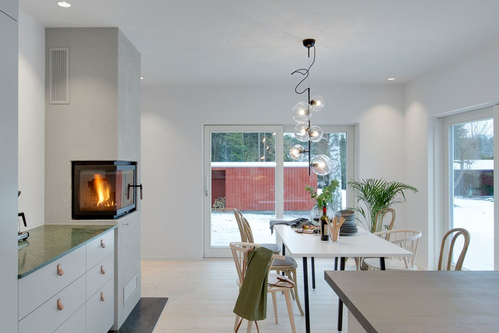 Modern Scandinavian kitchen with fireplace!