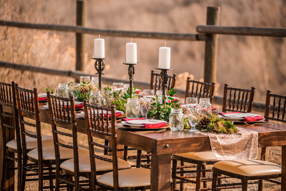 Table chairs and plating by renteventutah.com