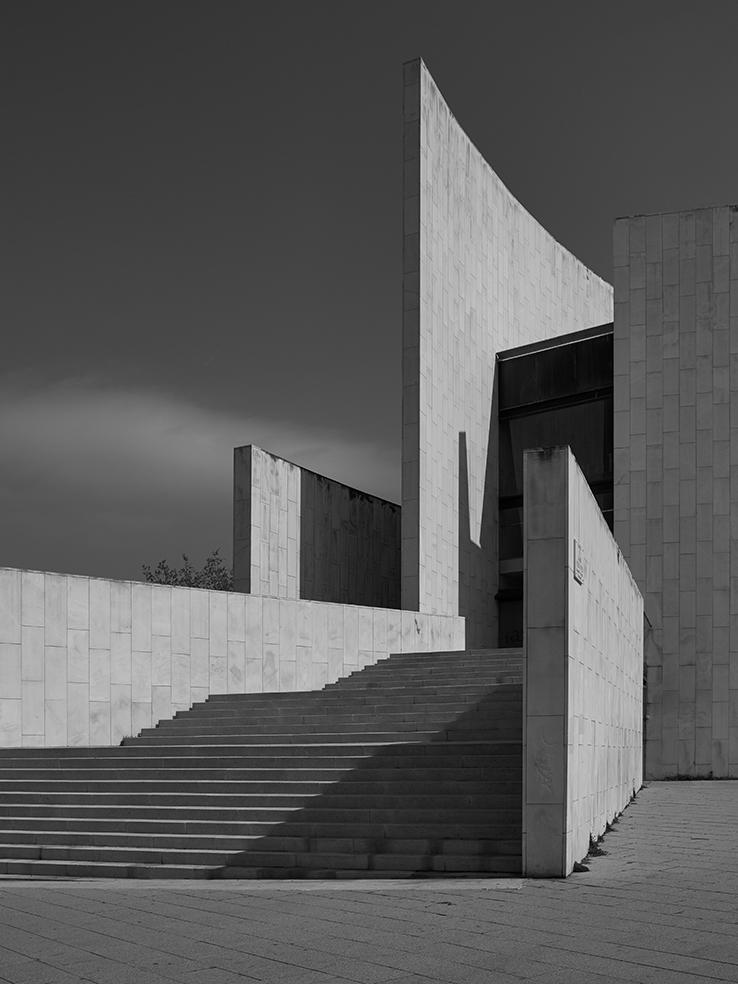 2016_03_26_BarcelonaArchitecture_020F.jpg