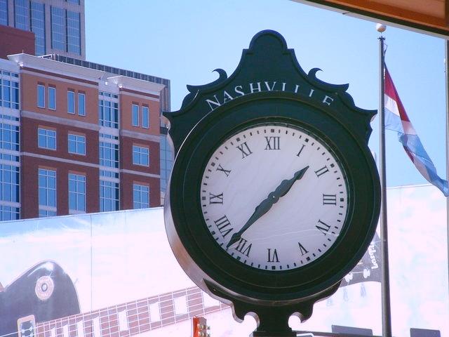 nashville-clock-1217673-640x480.jpg