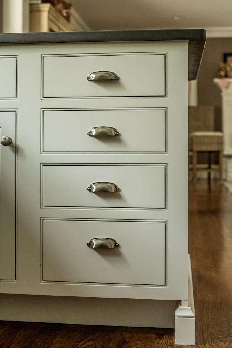 Inset 4 Drawer White Cabinet - Bin Pulls