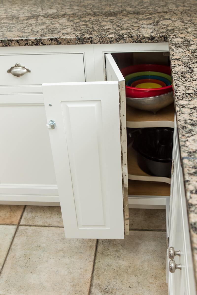 Corner Cabinet Storage Lazy-Susan