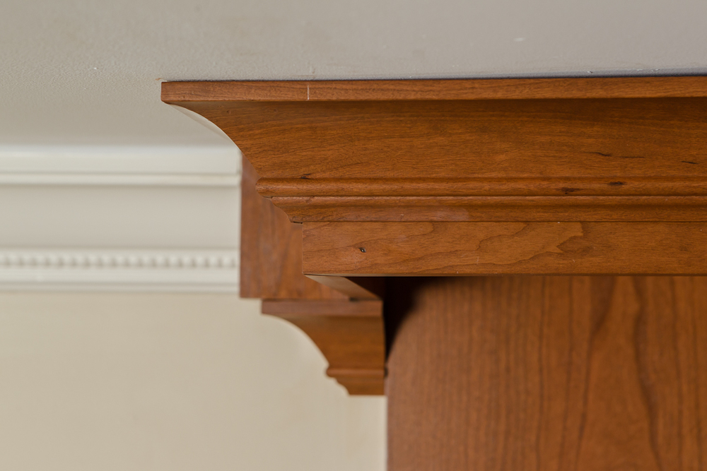 Traditional Cherry Kitchen Cabinet Crown Moulding