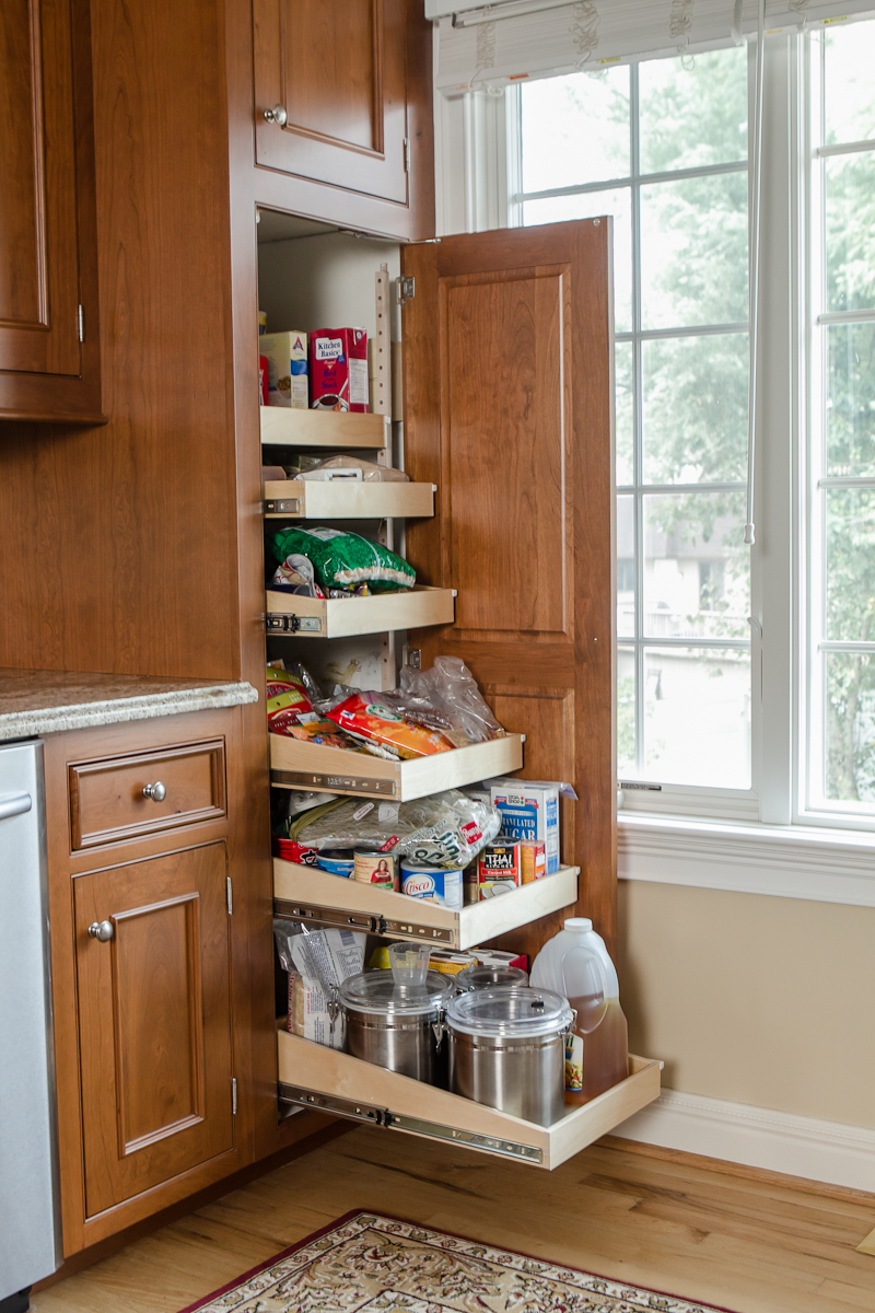 Pantry roll-out & pull-out shelves