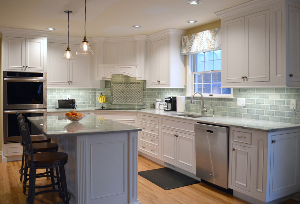 Traditional White Kitchen Custom Cabinets   Cross River NY   Ackley Cabinet  LLC