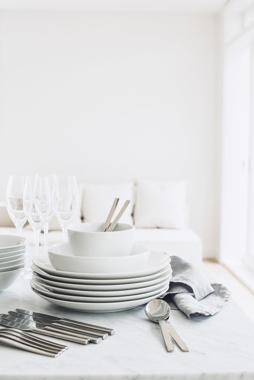 DinnerPartyPlates.jpg